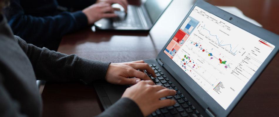 company_data_analytics_image_right_interior_desktop